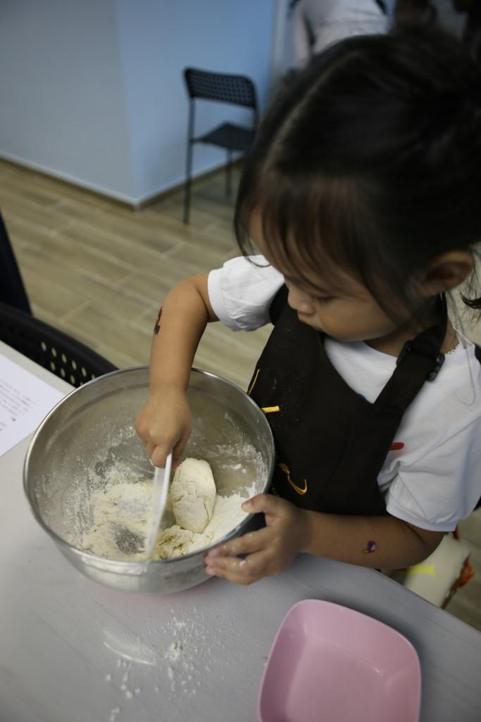 每個小廚師都很努力呀!