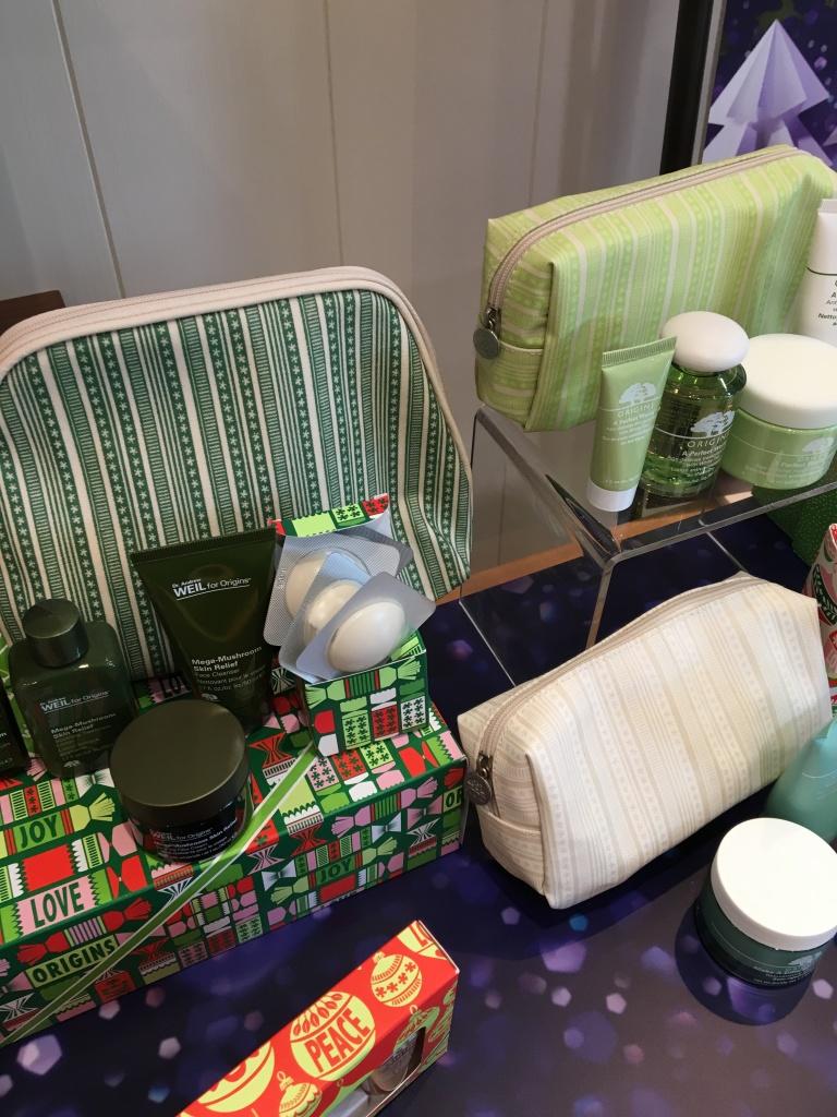幾款聖誕set的化妝袋都好靚!
